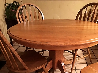 This Oak Dining Table And Chairs Got A New Look With Bold Cherry Walnut Distressed Finish
